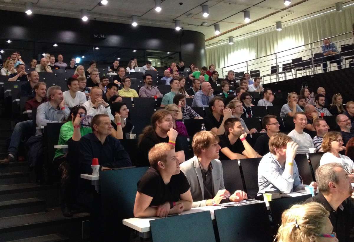 Účastníci iCONference v Ballingově sálu