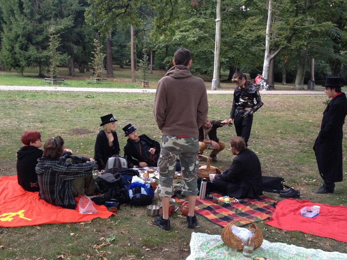 Steampunkový piknik