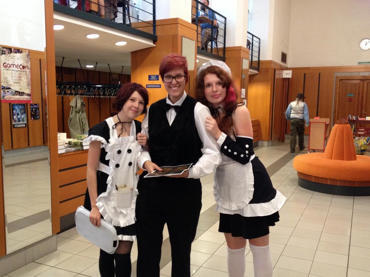Maidky z Maid kavárny