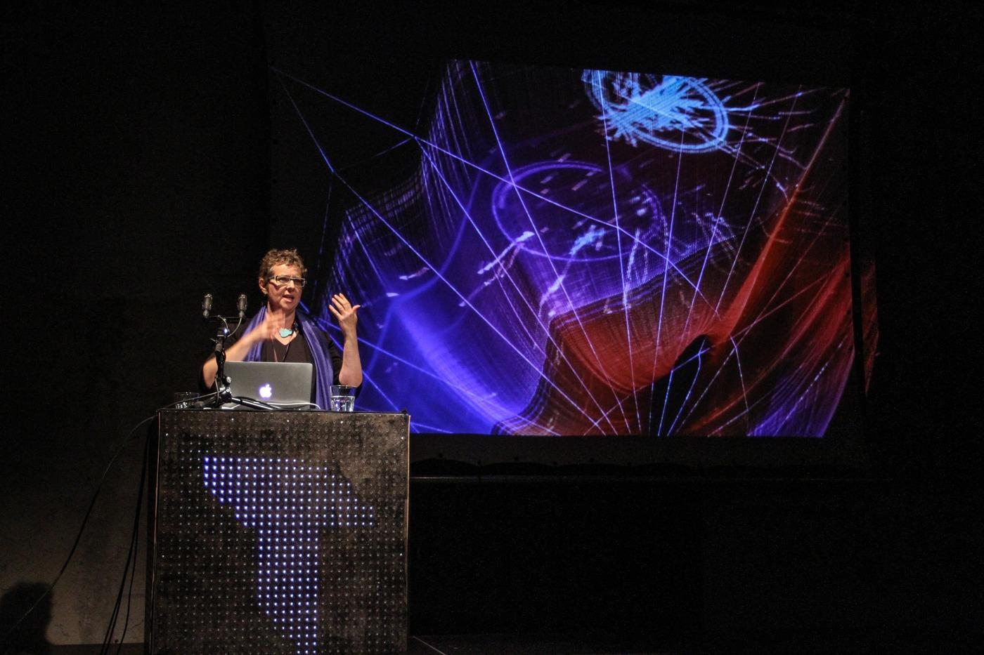 Konference Transmit - Janet Echelman