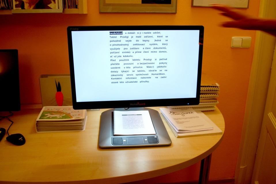 Digitální čtecí zařízení s hlasovým výstupem