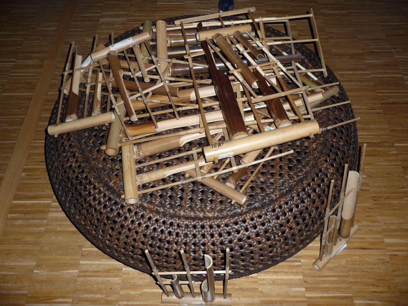Tradiční bambudový hudební nástroj angklung