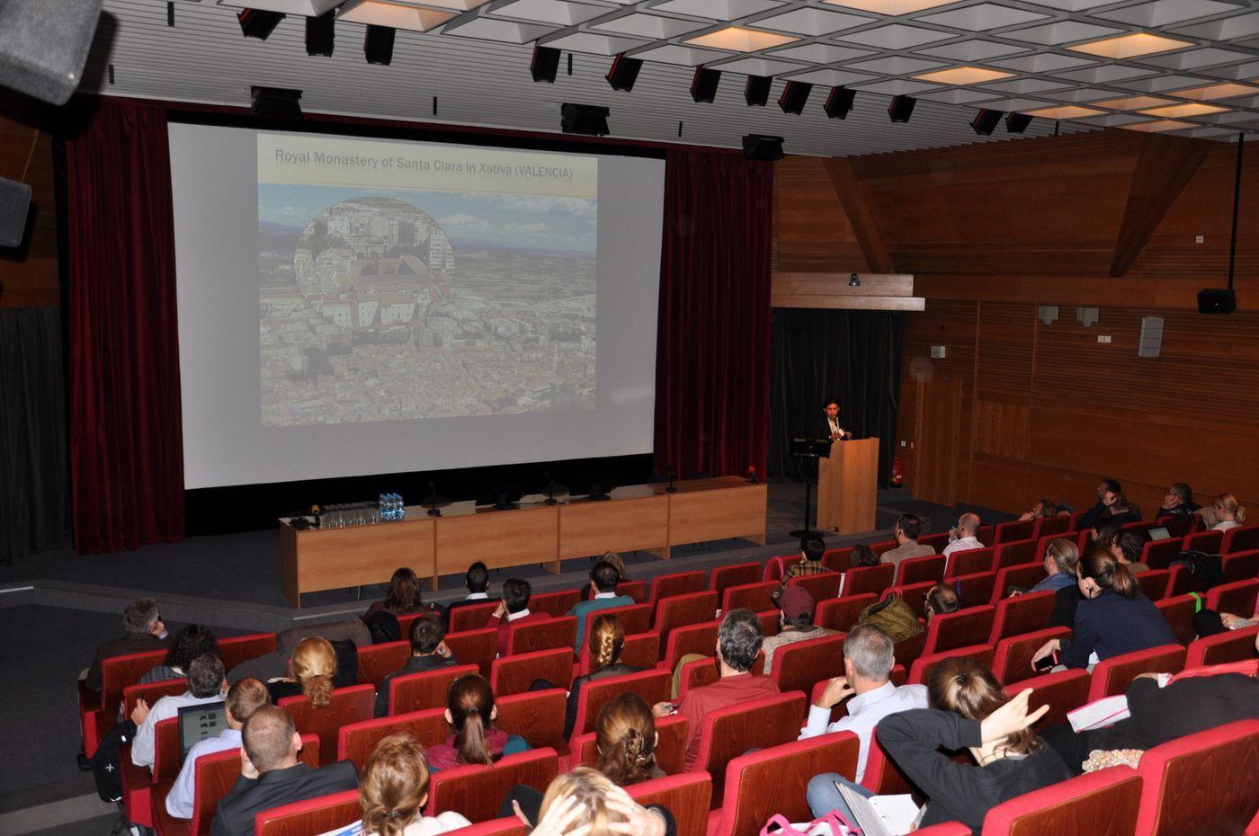 Manuel May Castillo při přednášce