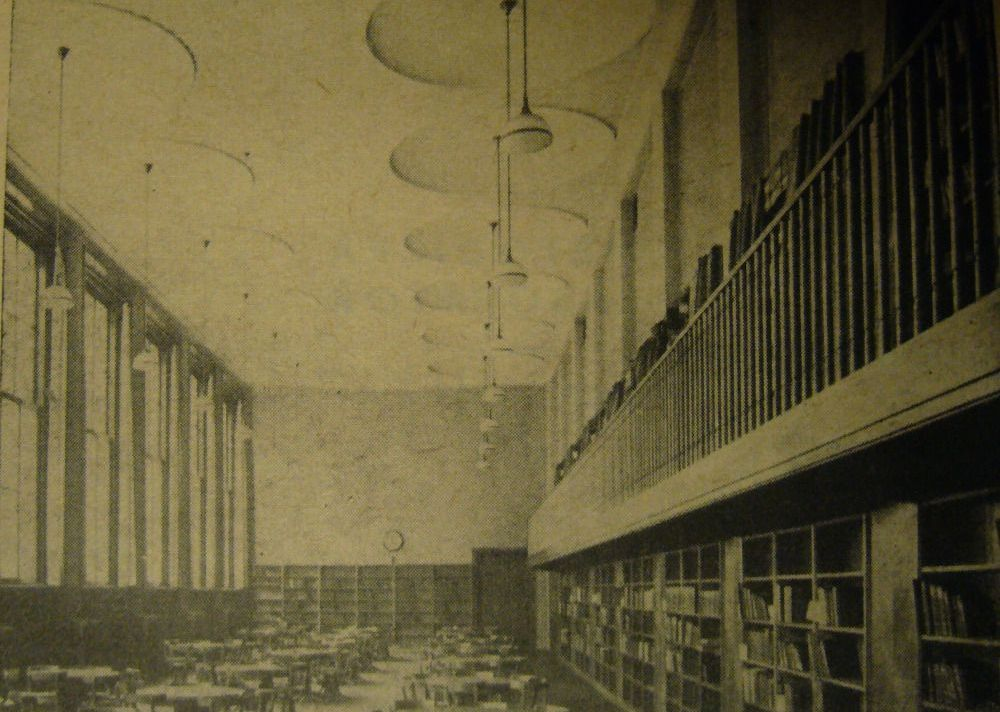 Interiér dětské čítárny s volným výběrem knih v Městské knihovně