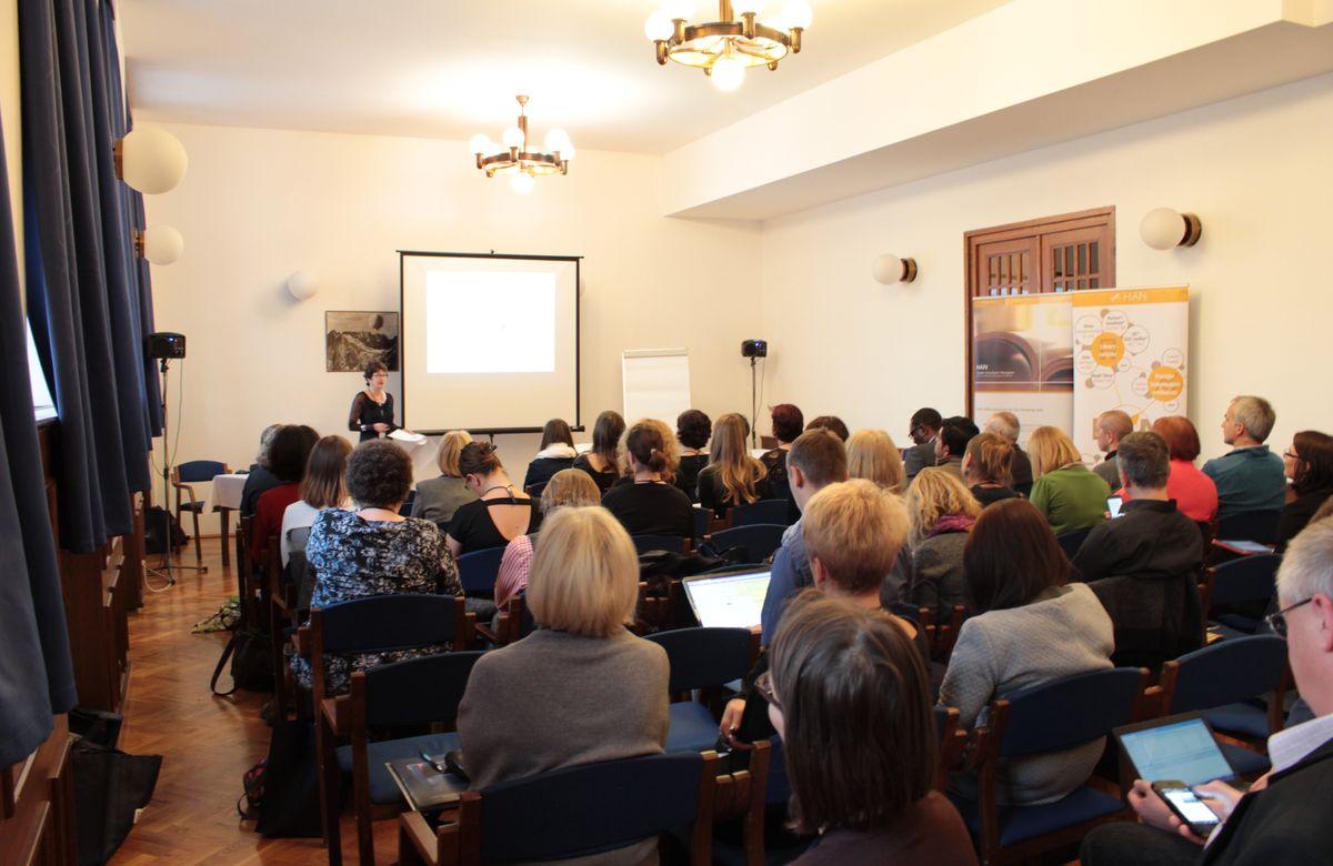 Účastníci semináře IATUL v konferenčním sálu Masarykovy koleje vDejvicích