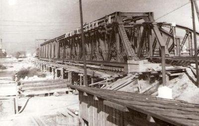 Stavenisko rekonštrukcie mosta cez Váh pri Trenčíne