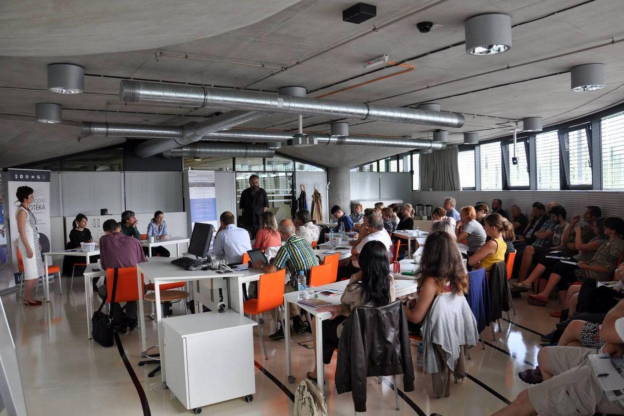 Účastníci semináře a PhDr. Adam Kretschmer