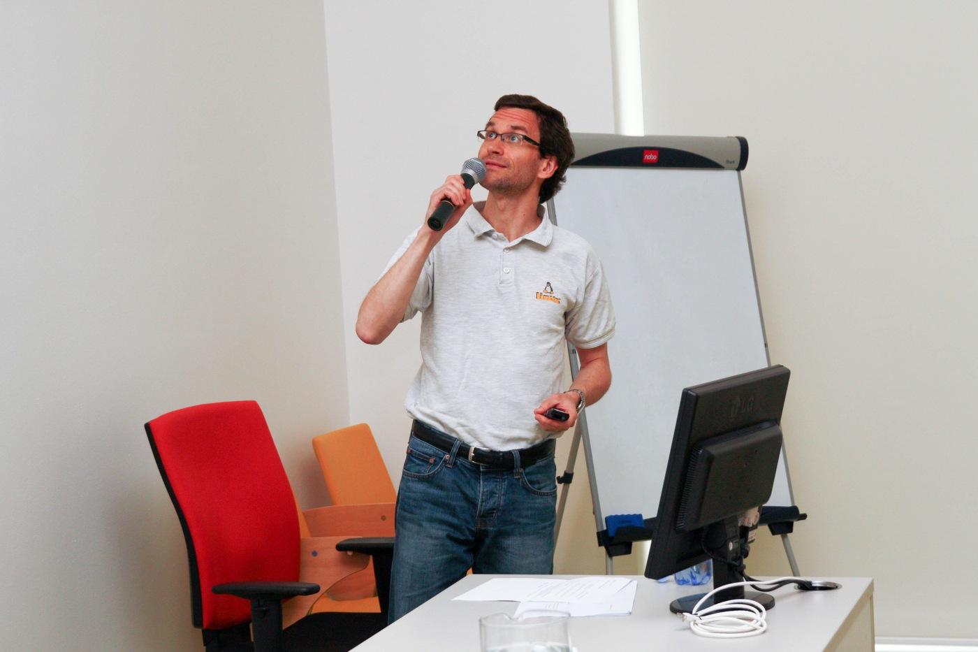 Vlastimil Krejčíř referuje o novinkách systému DSpace