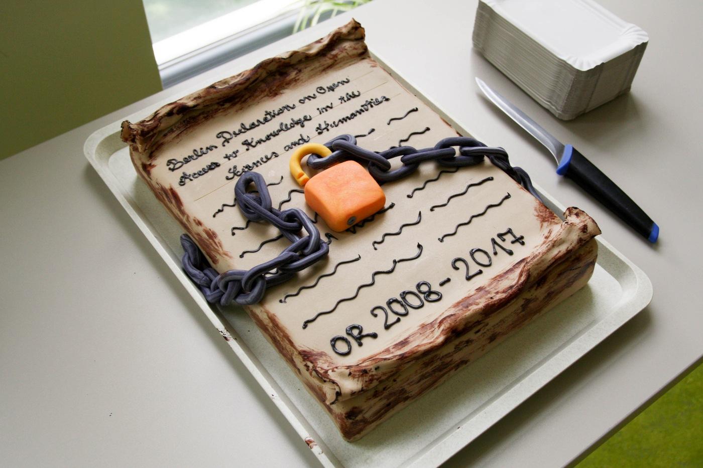 Slavnostní dort symbolizující Berlínskou deklaraci k 10. ročníku semináře