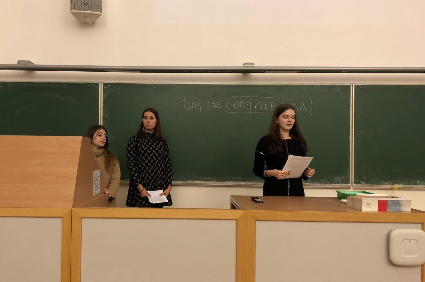 Anna Lamberova, Darya Tsitova a Laura Ledo
