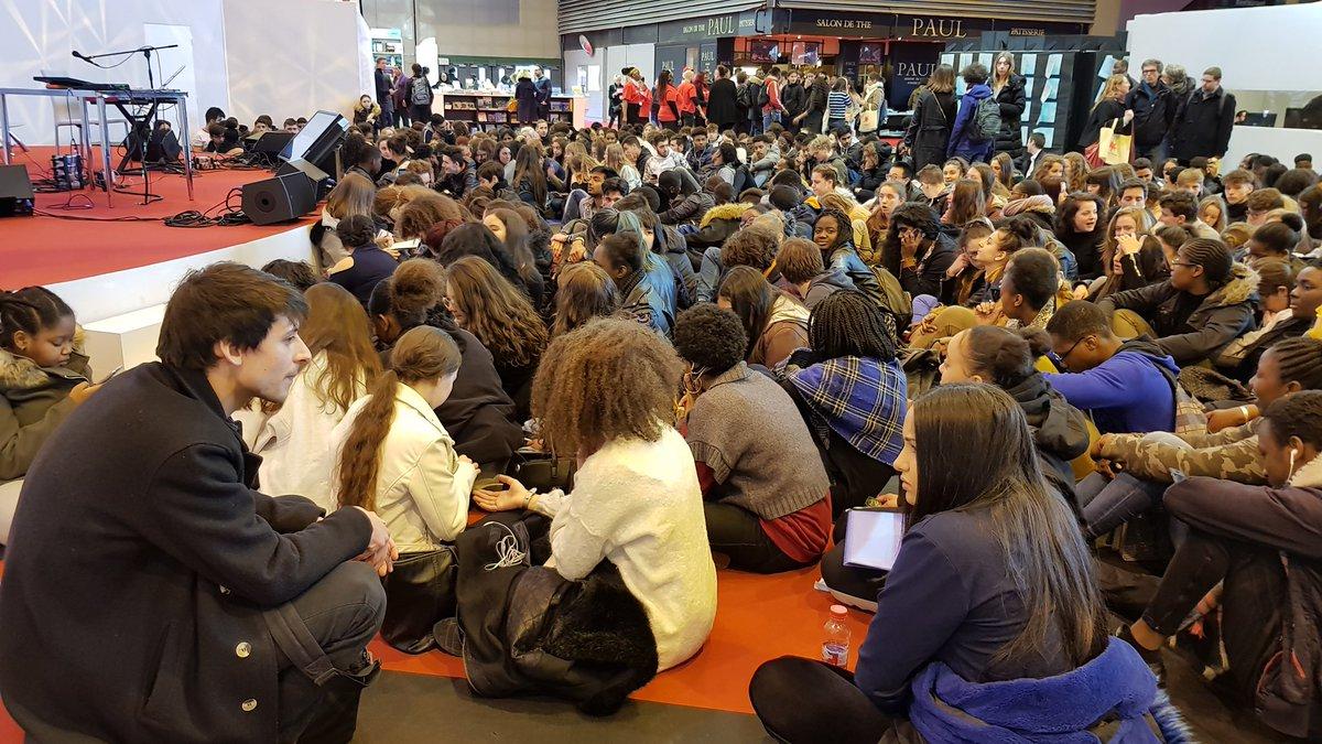 Hlavní sál plný studentů