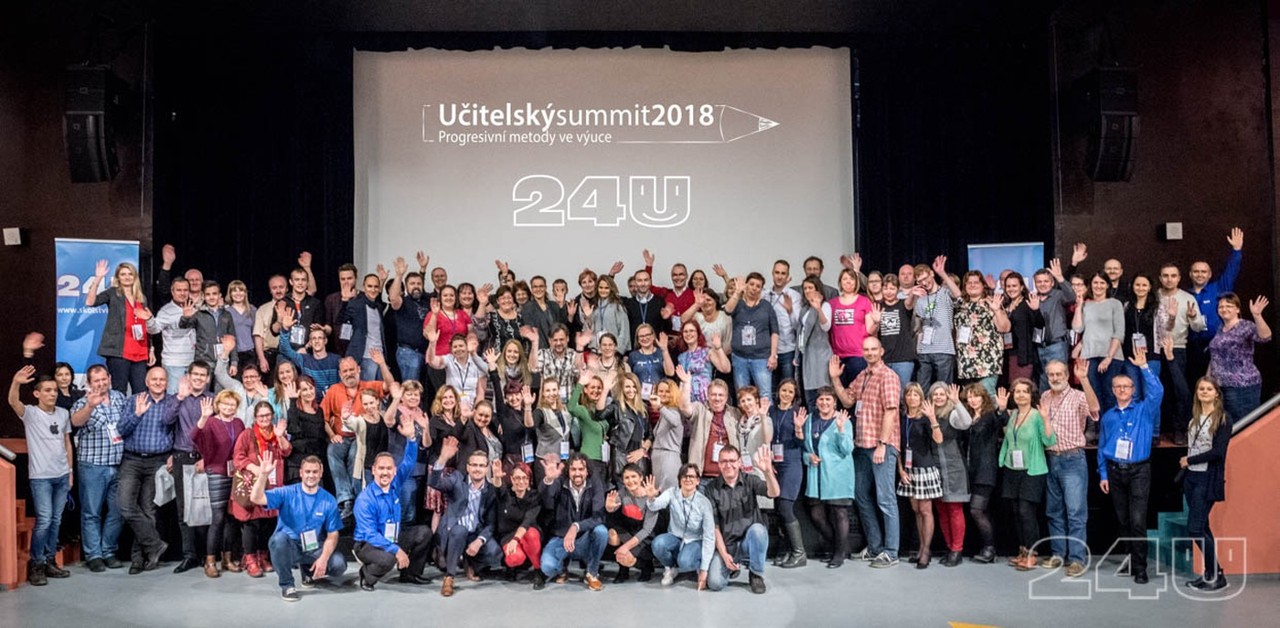 Společná fotografie účastníků Učitelského summitu 2018