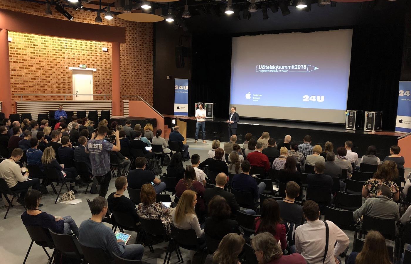 Zahájení Učitelského summitu 2018