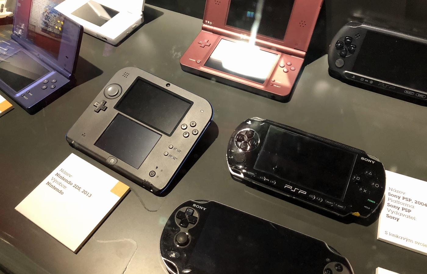 Ukázka vybraných handheldů