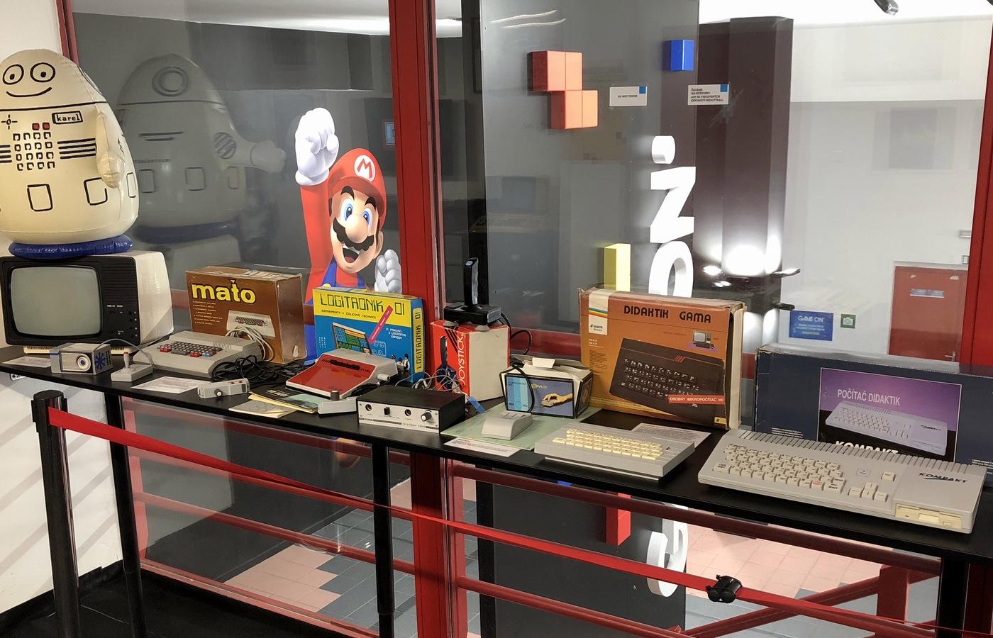 Ukázka historických mikropočítačů