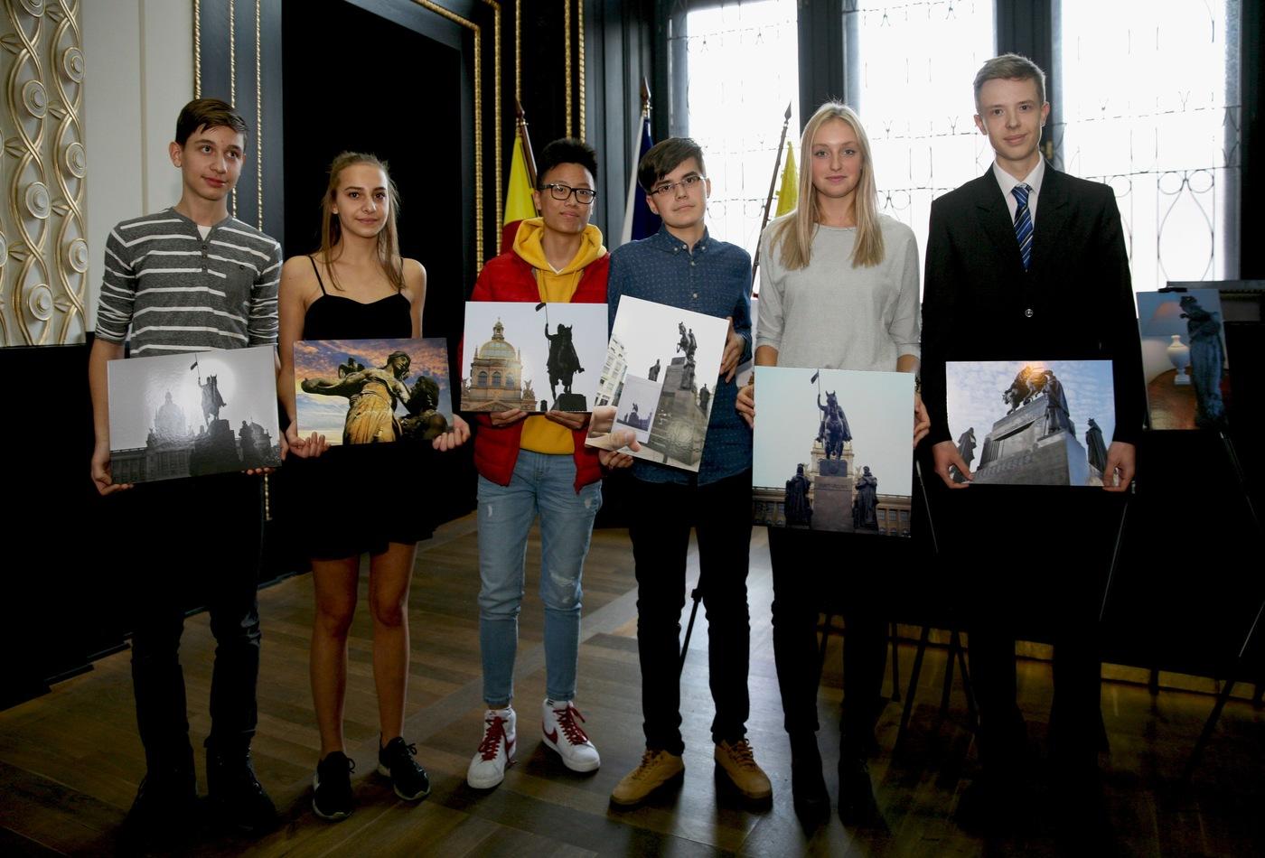 Výherci fotografické soutěže Po stopách J. V. Myslbeka