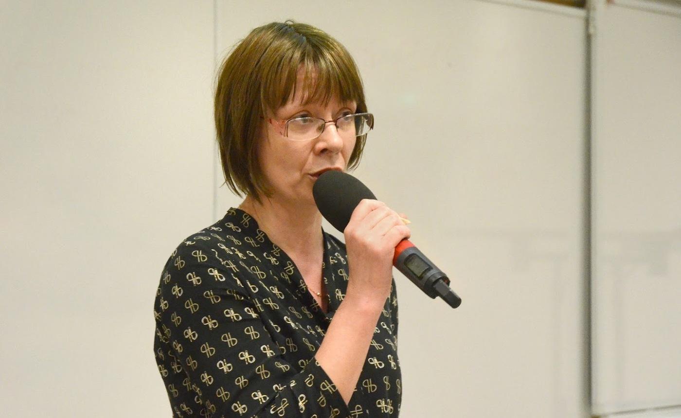 Jitka Dobbersteinová referuje o stavu OA na Slovensku