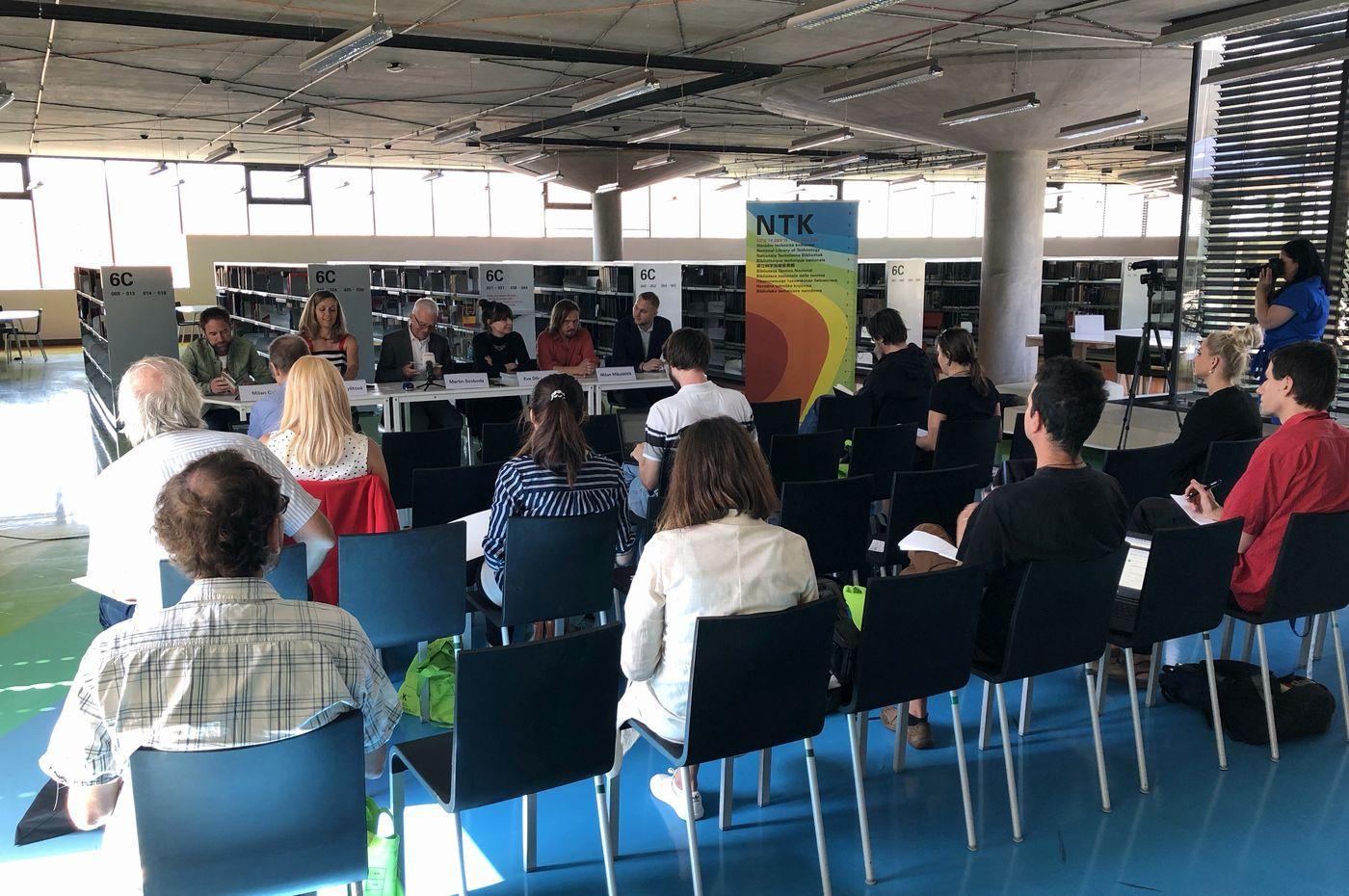 Tisková konference k programu oslav 10 let NTK